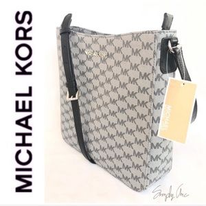 1f56f1f5ffc8 Women s Michael Kors Jet Set Messenger Bag on Poshmark